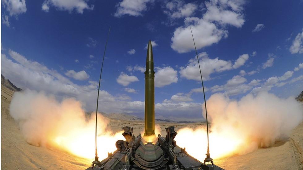 """Trung Quốc phóng tên lửa, 4.000 căn cứ """"sẵn sàng chiến đấu"""""""