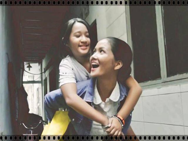 Hoa hậu Hoàn vũ Việt Nam H'Hen Niê từng làm giúp việc, không nói sõi tiếng Việt