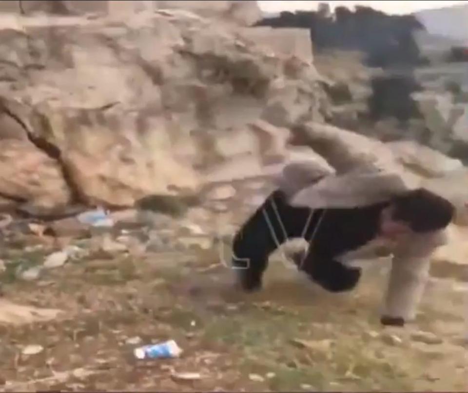 Thổ Nhĩ Kỳ: Nhảy trên vách núi chụp ảnh, rơi 50m tử vong - 2
