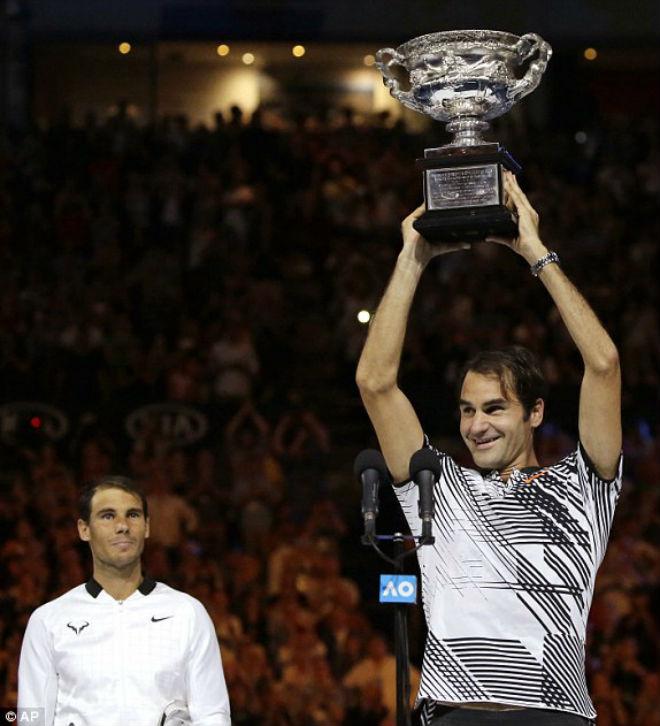 Australian Open, khoảnh khắc kinh động: Nadal ôm hận Federer - Djokovic 1