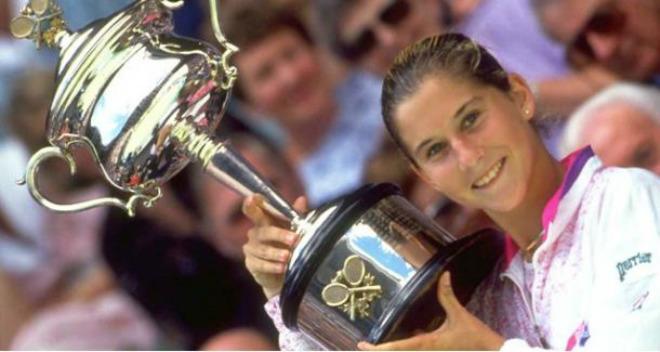 Australian Open, khoảnh khắc kinh động: Nadal ôm hận Federer - Djokovic 7