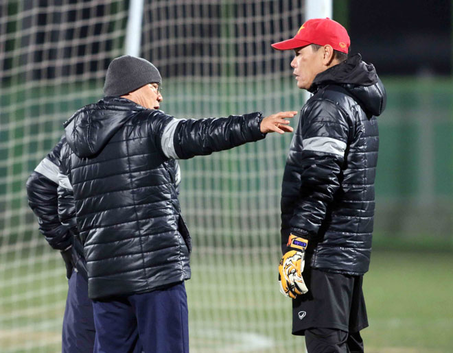 """U23 Việt Nam: HLV Park Hang Seo lo nhất """"người gác đền"""" - 2"""