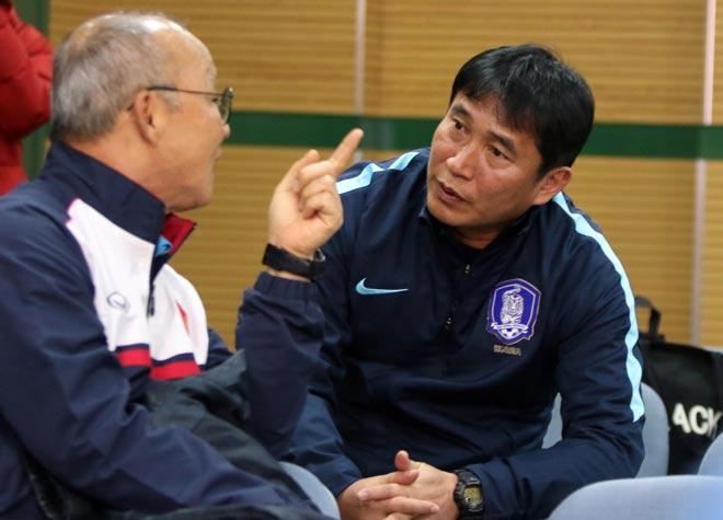 """HLV Park Hang Seo thân mật với HLV U23 Hàn Quốc trước """"đại chiến"""" - 3"""