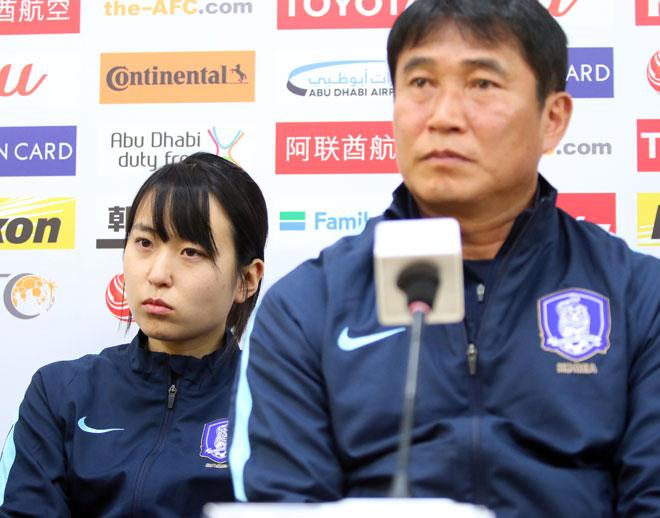 Sếp nữ xinh U23 Hàn Quốc dẫn quân đấu Công Phượng, Xuân Trường - 1