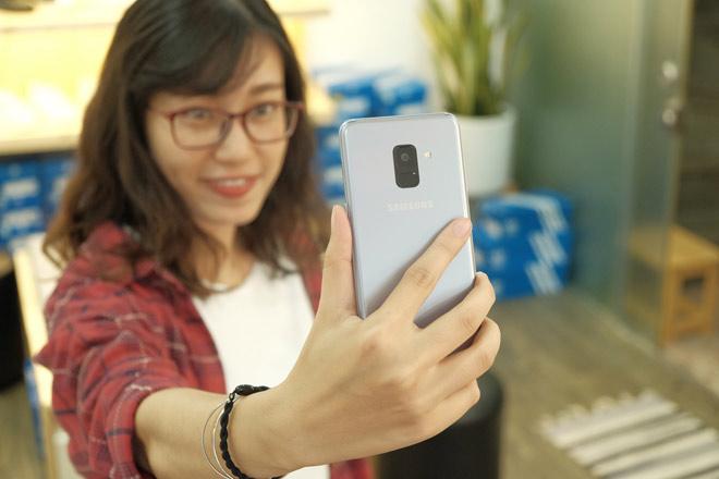 """""""Đánh giá bộ đôi Galaxy A8, A8+ chính hãng tại Việt Nam"""" - 4"""