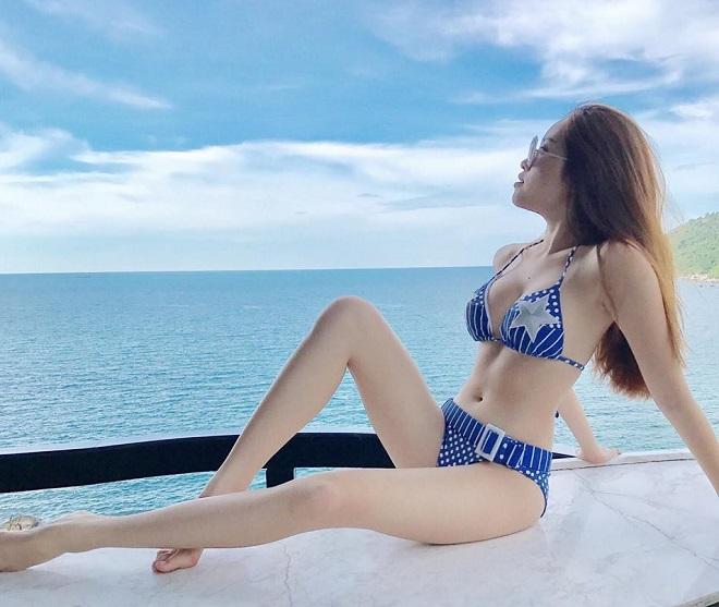 Gu mặc gợi cảm của nữ MC nóng bỏng nhất VTV từng thi hoa hậu - 1