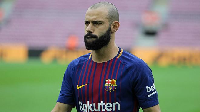 Barca lại rung chuyển: Sau Coutinho, đón tân binh lạ 100 triệu euro - 2