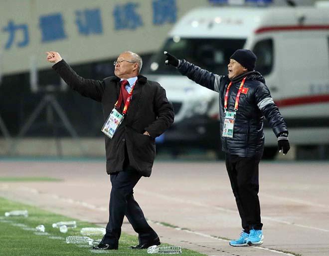 U23 Việt Nam: HLV Park Hang Seo & 2 lần đặt tay lên trái tim 4