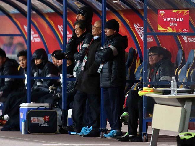 U23 Việt Nam: HLV Park Hang Seo & 2 lần đặt tay lên trái tim 7