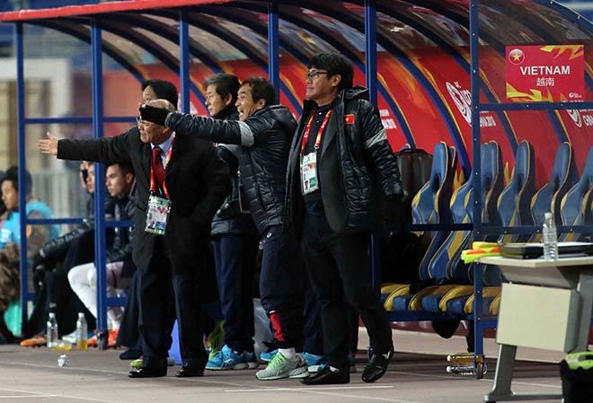 U23 Việt Nam: HLV Park Hang Seo & 2 lần đặt tay lên trái tim 8