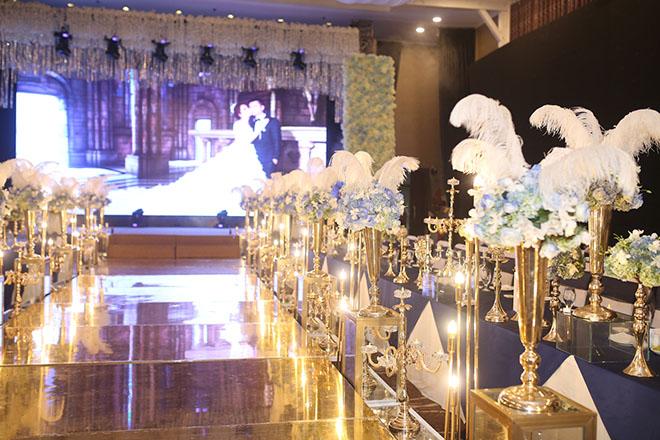 Dàn xe sang rước khách giá 30 tỷ đồng trong hôn lễ Lâm Khánh Chi ở Sài Gòn - 8