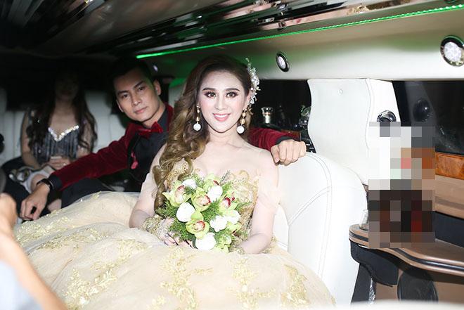 Dàn xe sang rước khách giá 30 tỷ đồng trong hôn lễ Lâm Khánh Chi ở Sài Gòn - 3