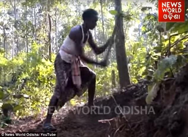 Ấn Độ: Một mình đào 8km đường xuyên 5 quả núi cho con đến trường