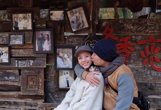 Tiến Luật vẫn yêu điên cuồng Thu Trang sau 7 năm cưới