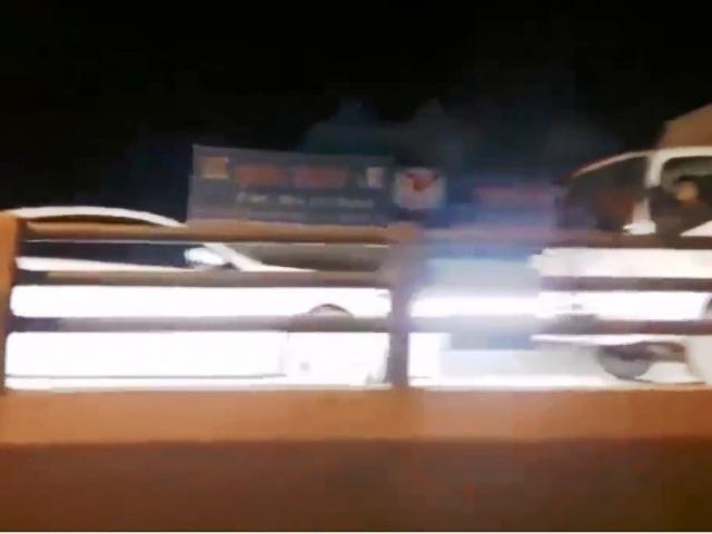 Clip ô tô chạy ngược chiều trên cao tốc gây phẫn nộ: Nữ tài xế khai gì? - 2