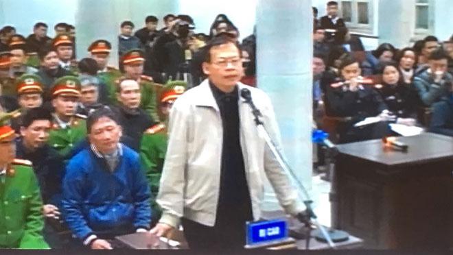 Luật sư của Phùng Đình Thực đề nghị VKS tranh luận đến cùng