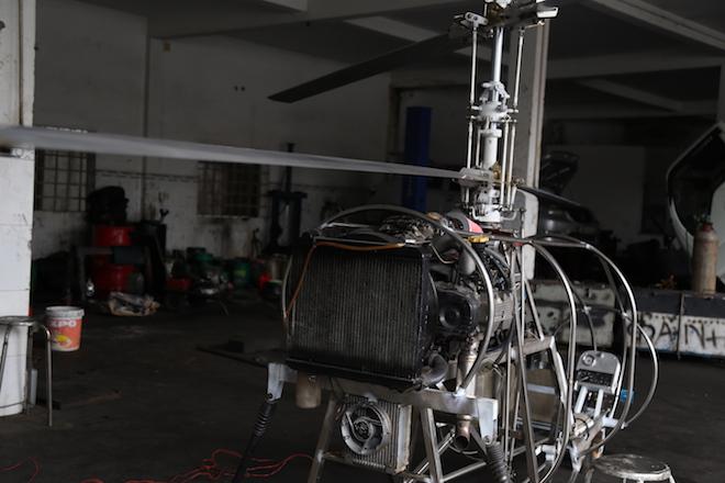 """Cận cảnh máy bay tự chế vừa cải tiến của """"hai lúa"""" Bùi Hiển - 5"""