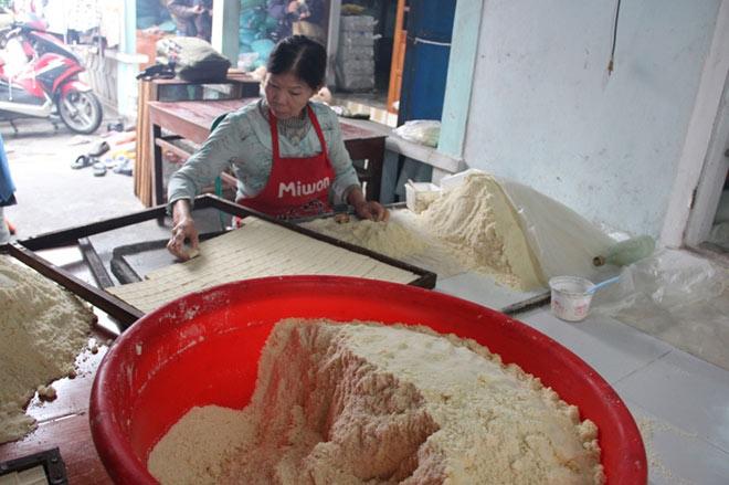 """Độc đáo làng nghề làm bánh """"tiến Vua"""" chỉ vào dịp Tết - 6"""