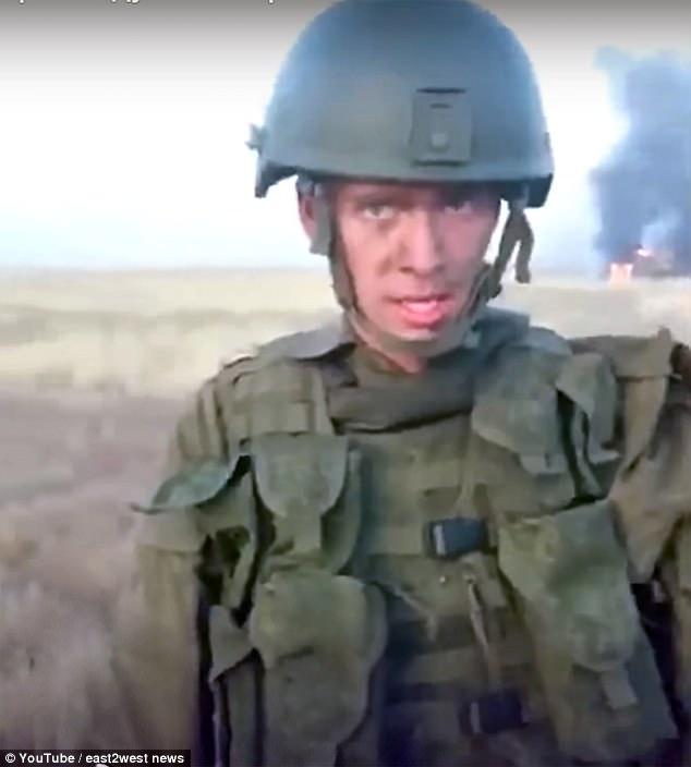 Lính Nga lỡ tay thiêu cháy tan tành xe bọc thép 500.000 USD - 1