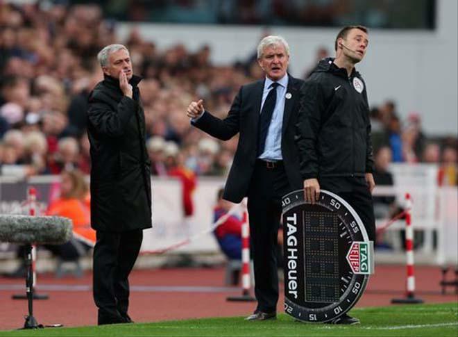Họp báo MU - Stoke City: Mourinho bất ngờ khen Sanchez, vỗ về Ibra 1