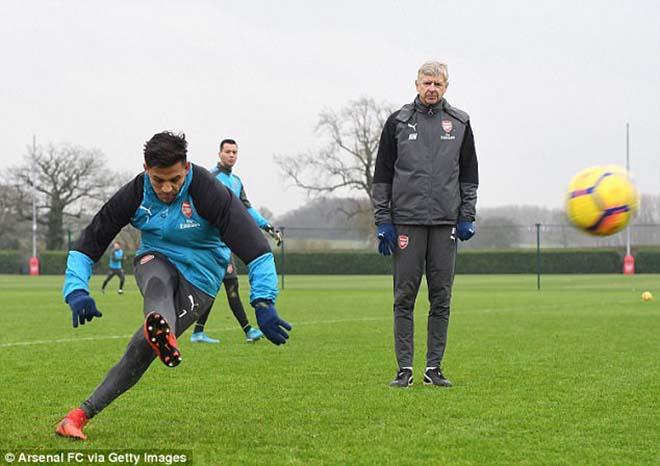 """""""Bom tấn"""" Sanchez - MU: Gia đình gấp gáp bay đến Anh, """"thầy"""" Wenger khuyên lời cuối - 2"""