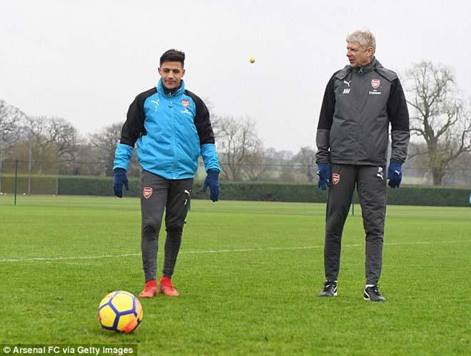 """""""Bom tấn"""" Sanchez - MU: Gia đình gấp gáp bay đến Anh, """"thầy"""" Wenger khuyên lời cuối - 1"""