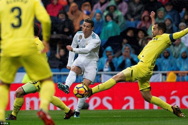 """Ronaldo cực đỉnh của """"chân gỗ"""": Kiệt quệ dứt điểm 11 ăn 0 - 3"""