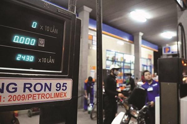 Xăng A95 tăng mạnh: Chính phủ yêu cầu công bố giá cơ sở - 1