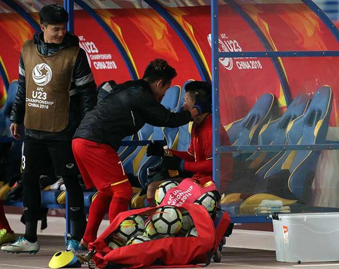 Quang Hải ghi bàn lịch sử, nước mắt người hùng U23 VN - 11