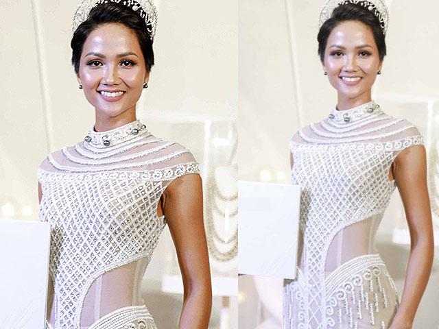 H'Hen Niê đội vương miện 2,7 tỷ đồng, đẹp như nữ thần với váy trong suốt