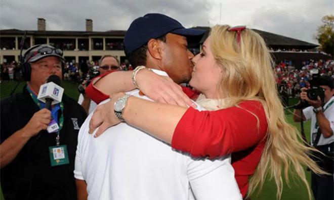 Golf 24/7: Bạn gái cũ xinh đẹp vạch thói xấu Tiger Woods - 1