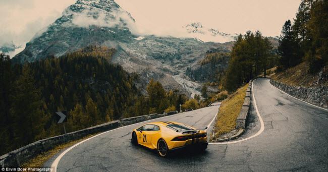 Lướt xe trên những cung đường đẹp và ngoạn mục nhất châu Âu - 6