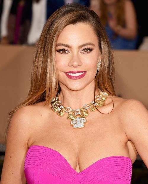 Đệ nhất mỹ nữ Colombia đẹp bất chấp tuổi tác nhờ...mẹ chồng