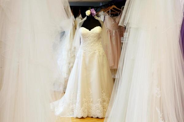 'Bỏ túi' hàng tỷ đồng nhờ kinh doanh váy cưới cho cô dâu ngoại cỡ - 2