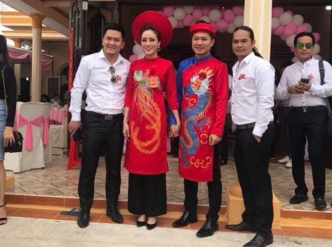 Ca sĩ Lâm Vũ lặng lẽ kết hôn với bạn gái Việt kiều - 2