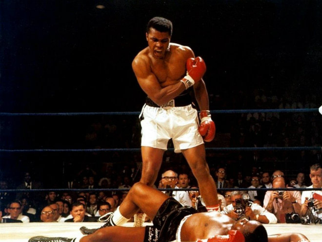 """""""Chuyện ấy"""" trong thể thao: Vua boxing nghiện người đẹp, """"hốt"""" cả người hầu - 1"""