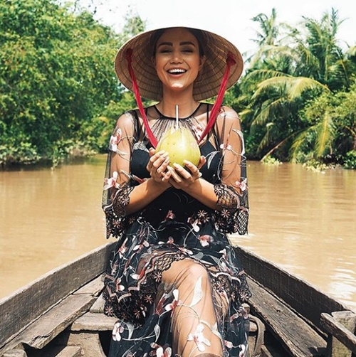 Nữ luật sư đẹp ngỡ ngàng nhờ mê loại quả Việt Nam rẻ như cho - 7