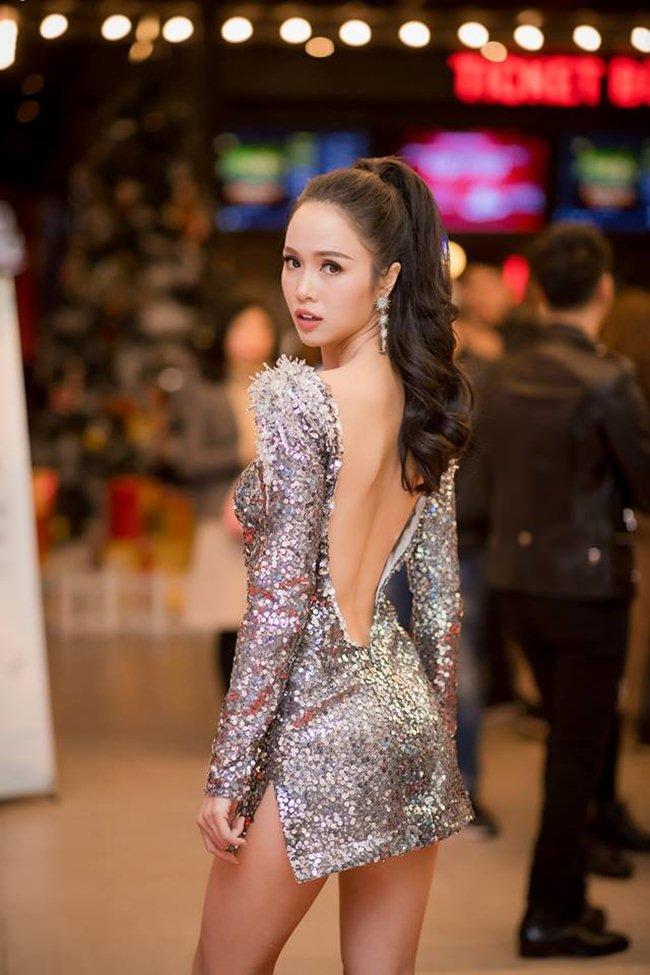 """3 mỹ nhân Việt diện váy """"chưa chạm tưởng sắp rơi"""" - 7"""
