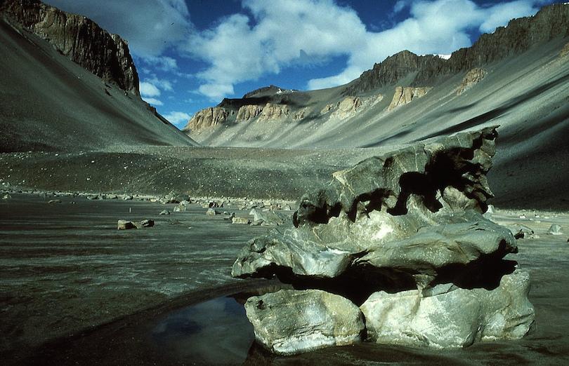 Kinh ngạc ngắm những sa mạc khô cằn đẹp đến khó tin - 3