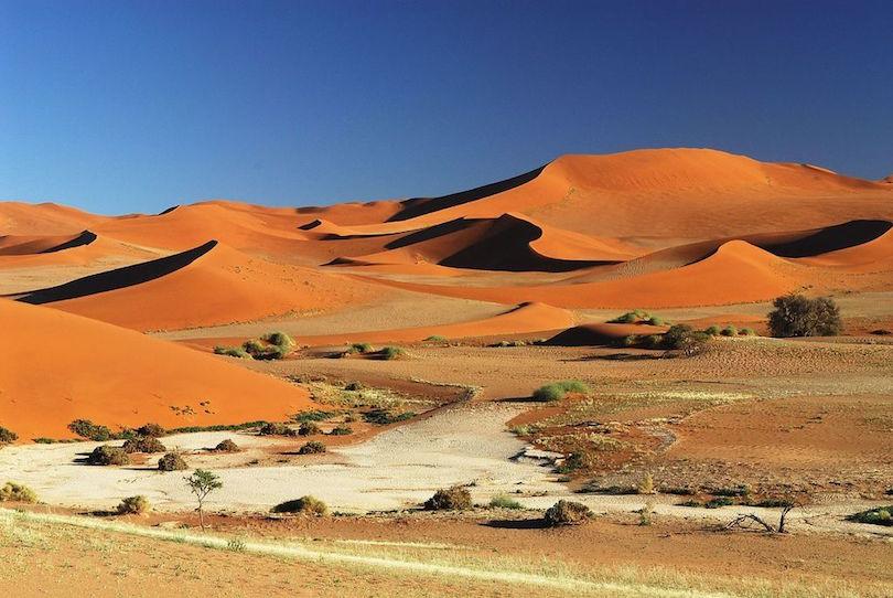 Kinh ngạc ngắm những sa mạc khô cằn đẹp đến khó tin - 8