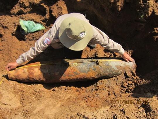 """Chủ phế liệu """"mua nhầm"""" hơn 260 đầu đạn pháo, bom chưa phát nổ - 2"""
