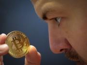 Công nghệ thông tin - Bitcoin lại lao dốc, chỉ còn hơn 12.000 USD