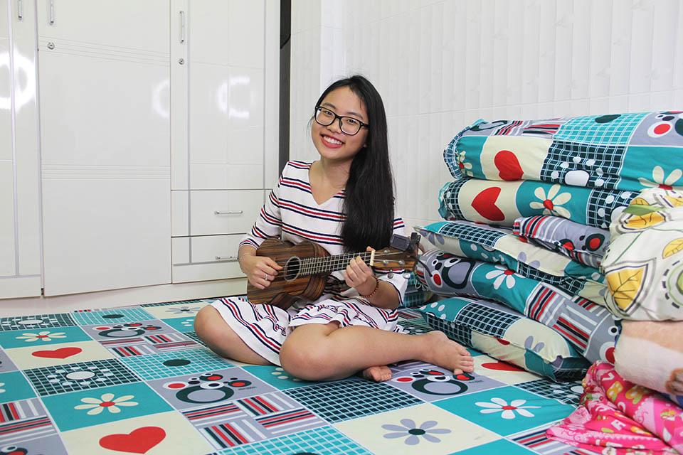 Nhà nhỏ được cơi nới, chứa hơn 1.000 bộ áo dài của Phương Mỹ Chi ở Sài Gòn - 6
