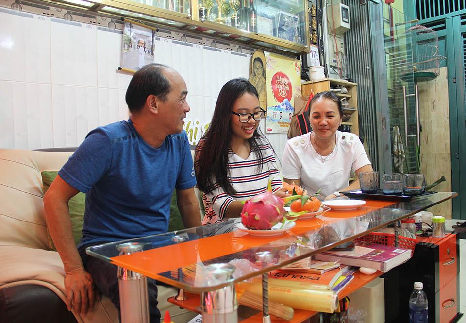 Nhà nhỏ được cơi nới, chứa hơn 1.000 bộ áo dài của Phương Mỹ Chi ở Sài Gòn - 12