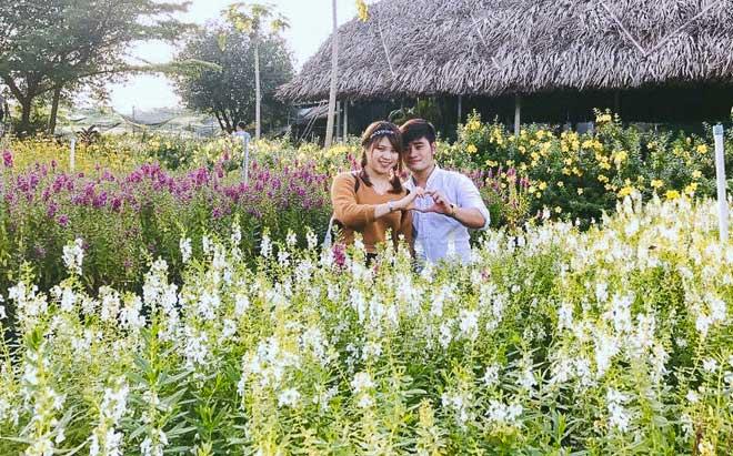 Không thể tin nổi giữa Sài Gòn có cánh đồng hoa đẹp đến thế! - 11