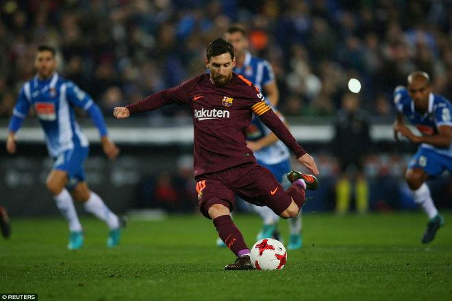 Messi lại gặp ác mộng phạt đền, Barca ôm hận đứt mạch 30 trận bất bại - 1