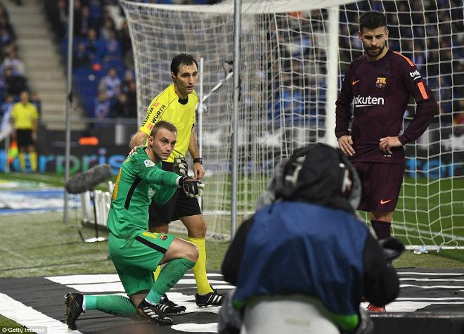 Messi lại gặp ác mộng phạt đền, Barca ôm hận đứt mạch 30 trận bất bại - 7