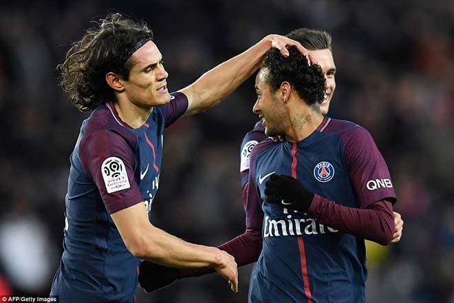 """Neymar tham lam """"cướp"""" penalty, phá cột mốc vĩ đại Cavani, CĐV PSG la ó - 2"""