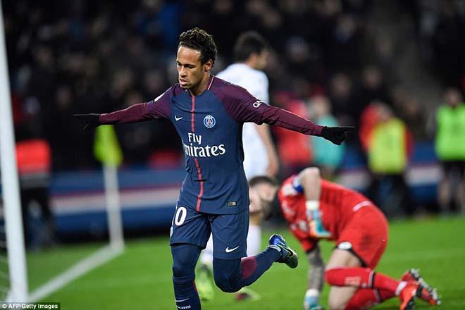 """Neymar tham lam """"cướp"""" penalty, phá cột mốc vĩ đại Cavani, CĐV PSG la ó - 1"""