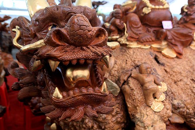 """Sở hữu gỗ lũa quý hình """"rùa hóa rồng"""", chủ nhân ra giá 600 triệu - 3"""